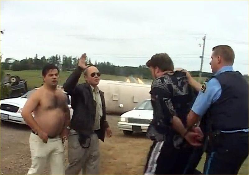 Полицейские из Трейлерпарка. Всегда без рубашки. Парни из Трейлерпарка, Trailer Park Boys. Кинорецензия на сериал, автор Илья LukBigBox Химич.