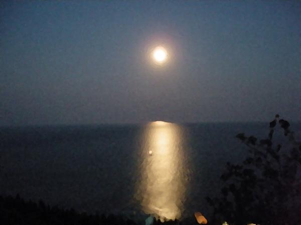 Крым. Алушта. Лунная дорога.