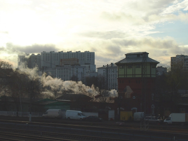 Москва. Платформа Красный Балтиец. Паровоз и Солнце.